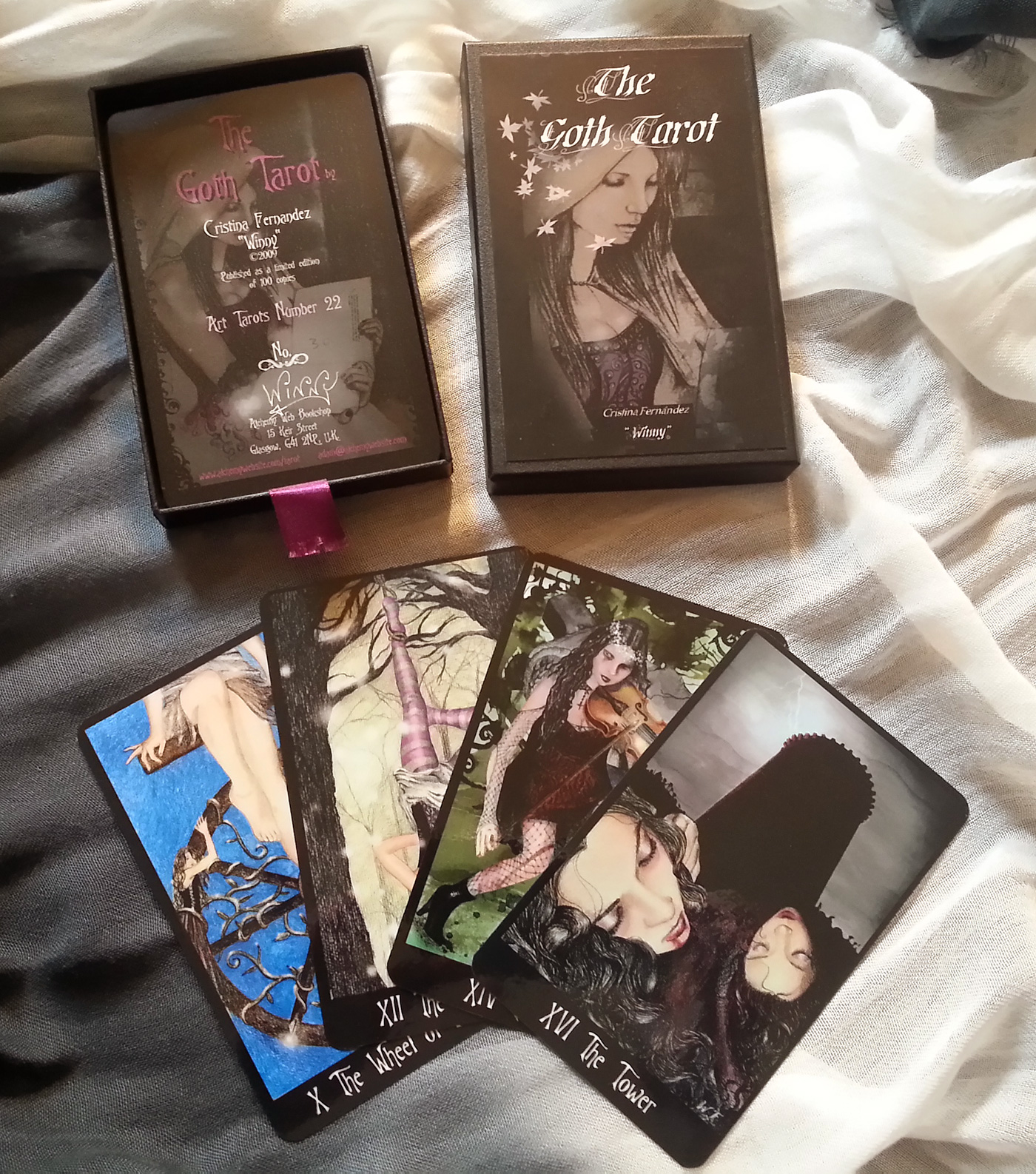 The Winny Limited Edition Goth Tarot
