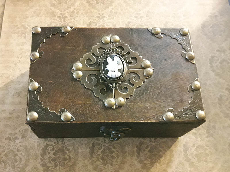 Attic Cartomancy - Custom Boxes - The Rabbit Box